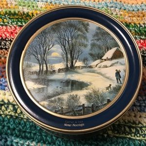 Currier & Ives vintage cookie tin